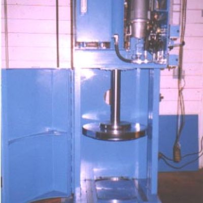 LH-radioactive-waste-compactor-03