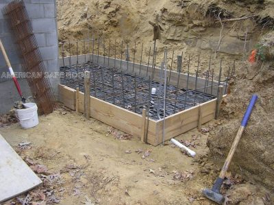 The floor slab forms and rebar are in place